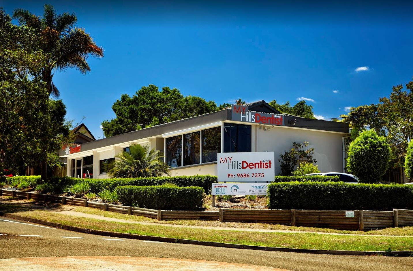 Exterior of Sydney Dentist Dr. David Lee